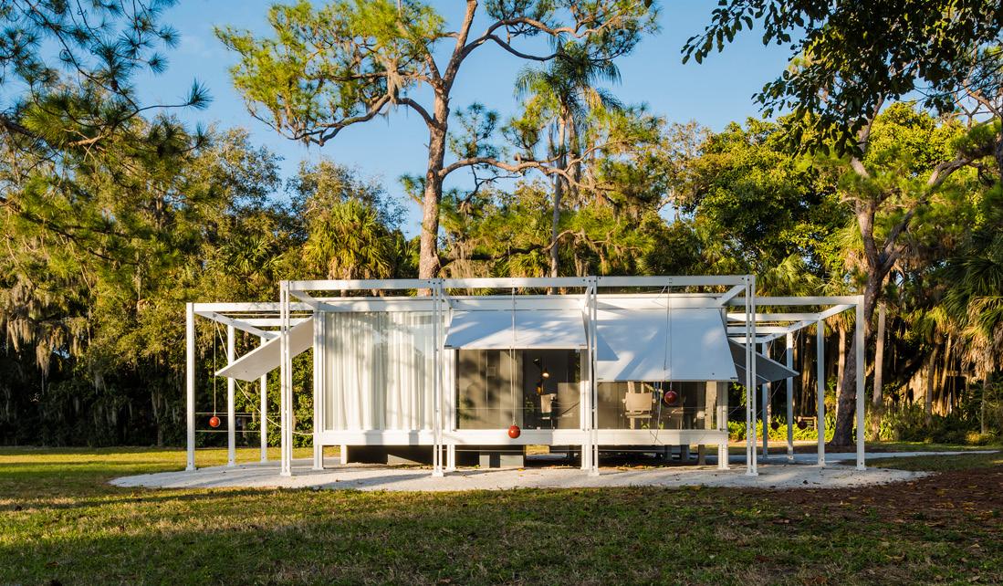 Walker Guest House Replica, Photo: Anton Gressl, Esto